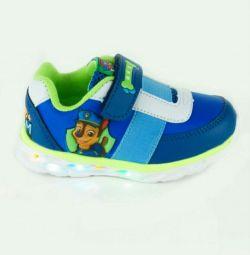 Νέα αθλητικά παπούτσια Kakadu με φωτεινή σόλα p25-29
