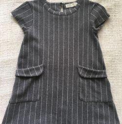 Zara φόρεμα για ένα κορίτσι 7 ετών