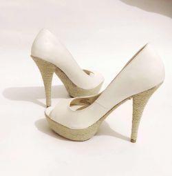 Παπούτσια Bershka