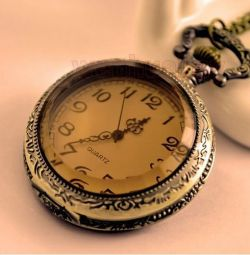 Vintage vintage pocket watch 4.5 cm on a chain