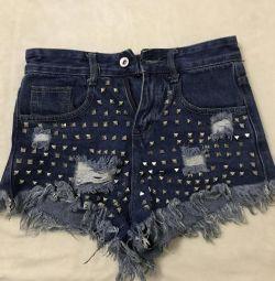 Шорты джинсовые с клепками
