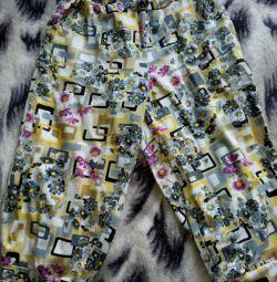 Pantaloni noi, tricotaje.