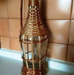 Бутылка стеклянная в оплетке