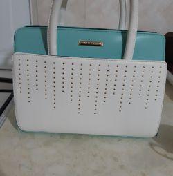 Продаю сумочку, дуже удобрити і красива.