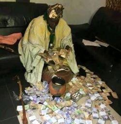 Vreau să mă alătur cultului secret pentru ritualurile de bani