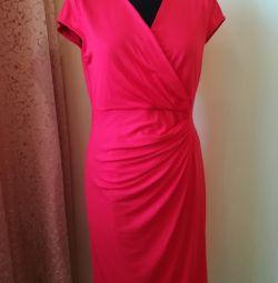 Платья красные 44-46