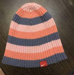Το αρχικό καπέλο της Nike