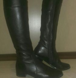 Light boots, genuine leather