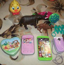 Игрушки для игр и развития детям