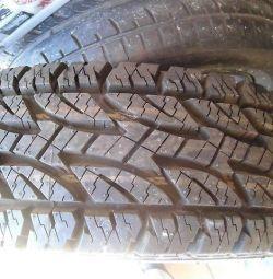bir yeni tekerlek 235 / 85R16 ,, Bridgestone, Dueler