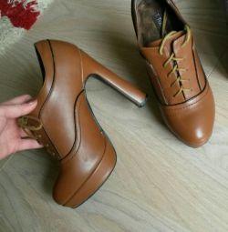 Ботильйони осінньо-весняні 37р. весняна взуття