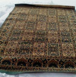 килими шерстяні