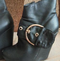Autumn boots, platform, 36 size