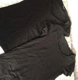 2 tricouri negre
