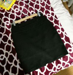 Μαύρη φούστα μολυβιού Pavlotti 42r