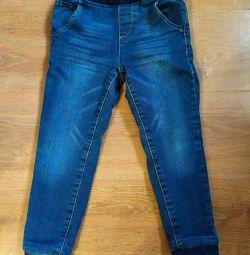 Warm jeans. Growth 104-110.