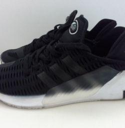 Кроссовки фирмы Adidas Climacol 37 размера