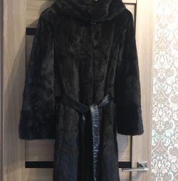Palton de nurcă dintr-o bucată