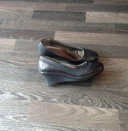 Παπούτσια 36 και πολλά στο προφίλ