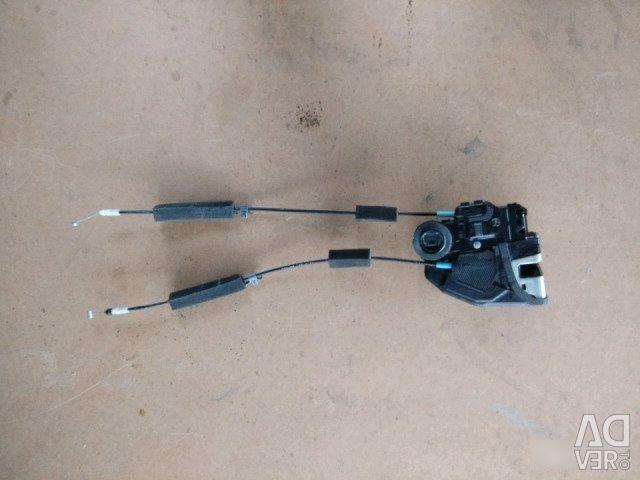 Lock the rear left door Honda Civic 5D 9 body