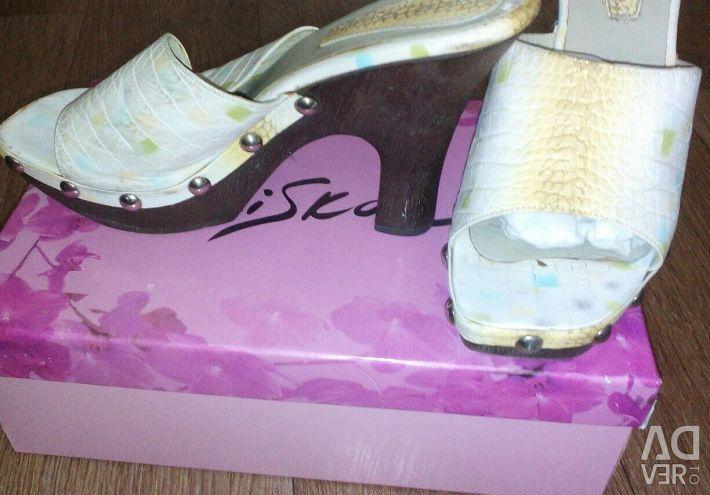 Shoes 39-40 size.