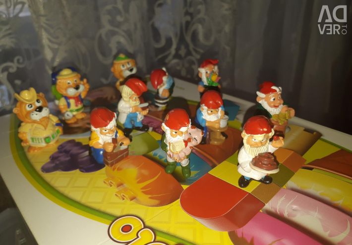 Kinder toys from the 90s price for 13 pieces