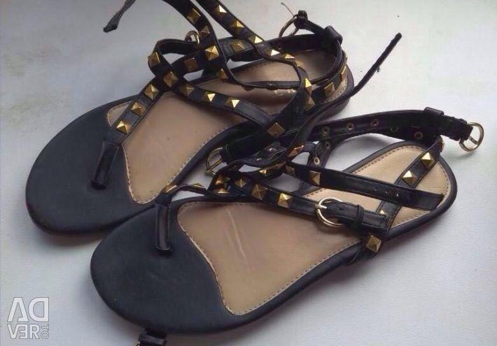 Sandals, exchange is possible