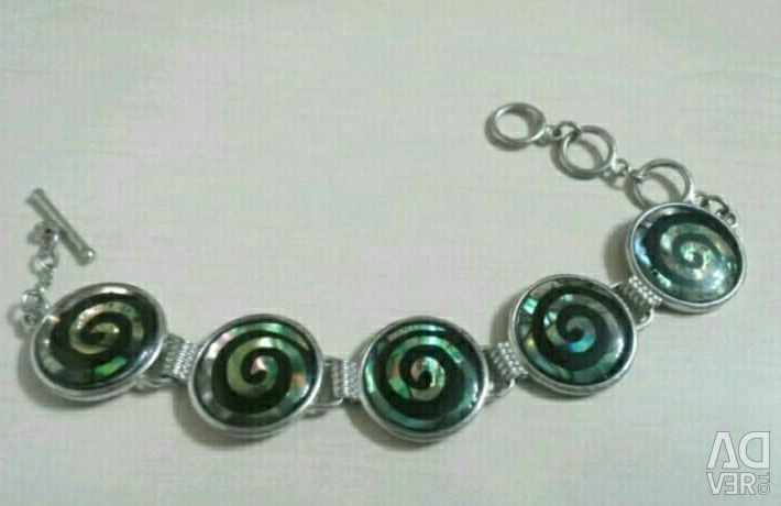 Bracelet made of heliotis
