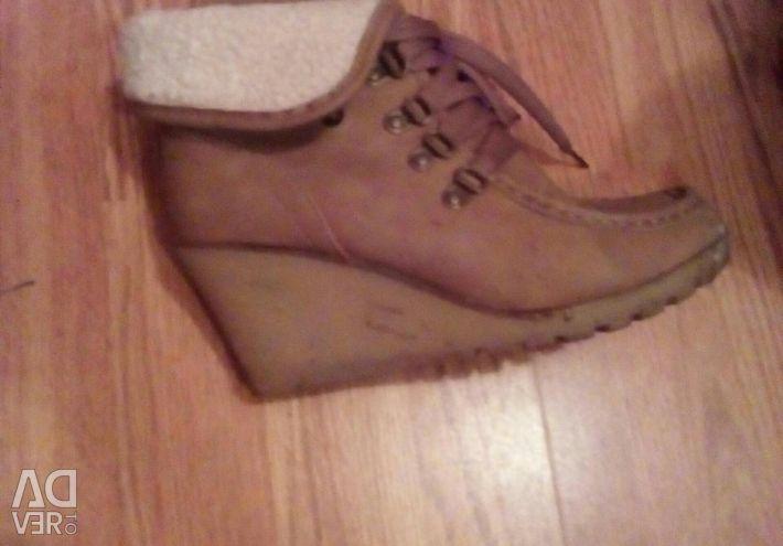 Clearance 600 p μπότες χειμωνιάτικο γυναικών νέο