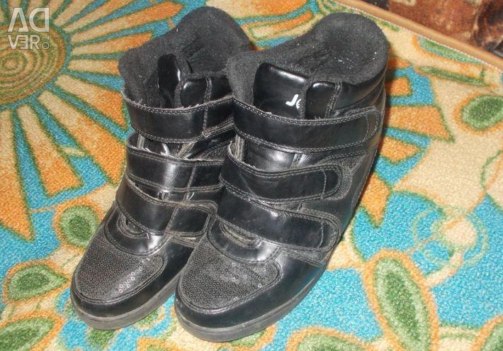 Autumn boots, sneakers, choir comp, 37size
