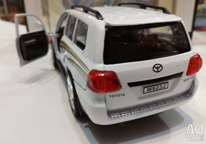 Makine metalik Toyota Land Cruiser, yeni