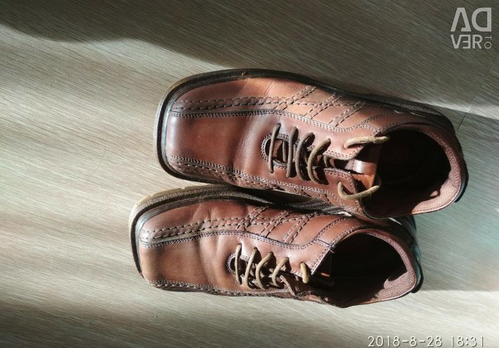 Natural shoes for autumn