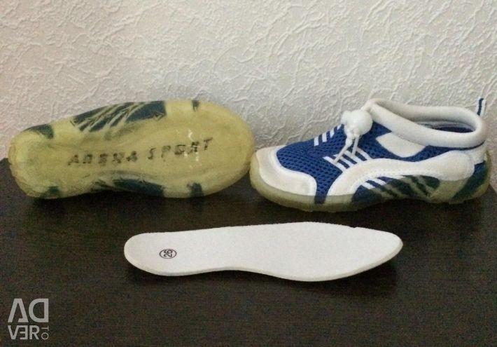Beach shoes 26r