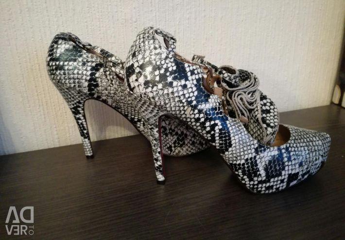 Louboutin pantofi, (Labouten) piele acoperită cu șarpe, 40-41