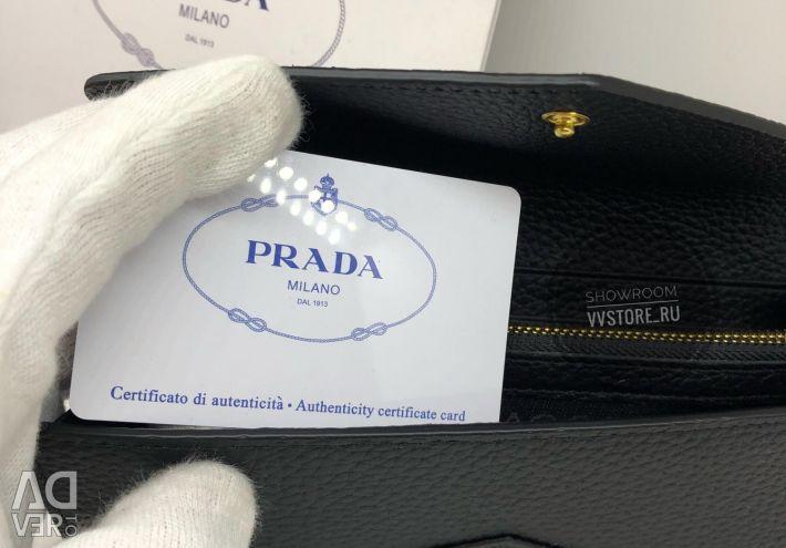 Кошелeк Prada в оригіналі
