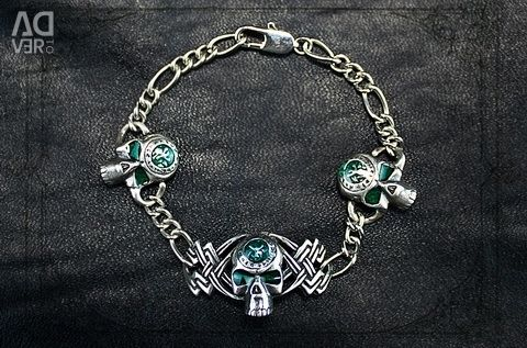Bracelet with skulls female accessory with enamel