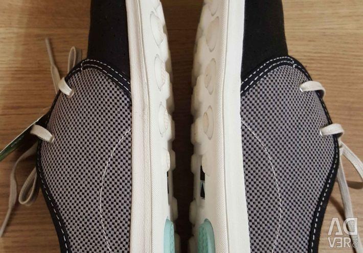 40 sneakers.