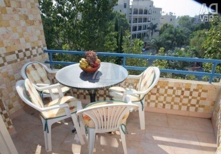 Apartament la etajul superior în Germasoyeia Touri