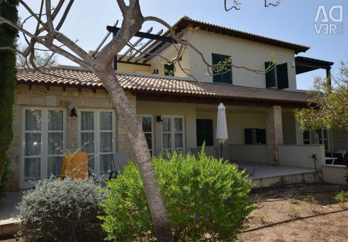 Semi-detached house in Aphrodite Hills, Paphos