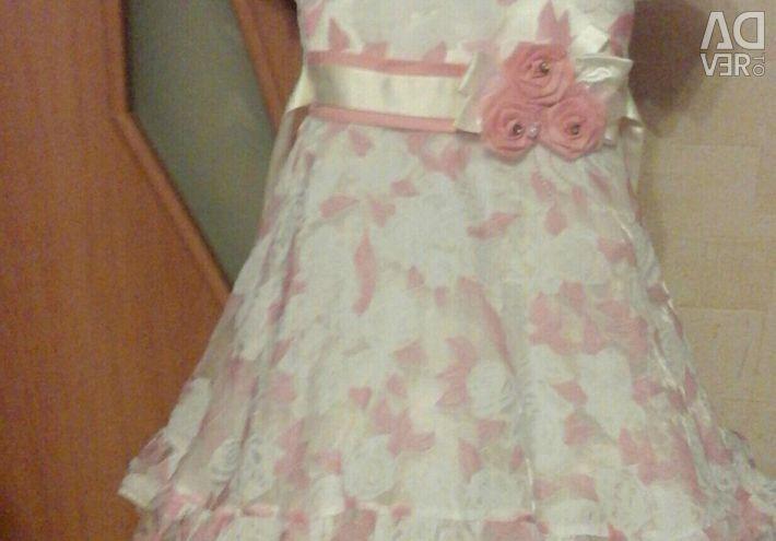 Φορέματα για την ημέρα αποφοίτησης