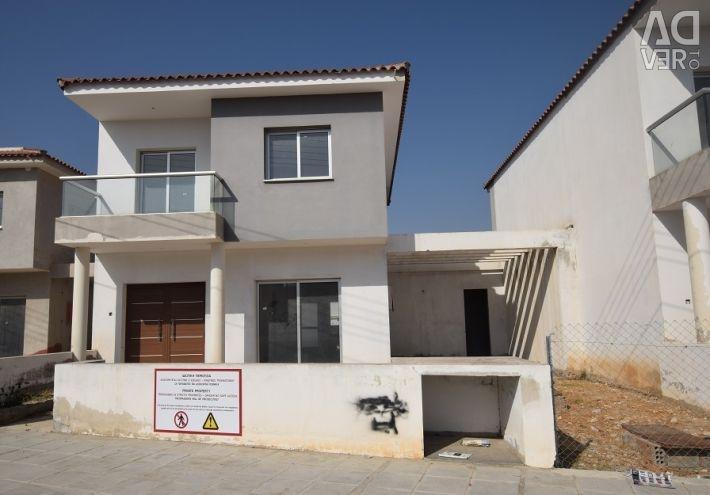 Casa incompletă cu patru dormitoare din Geri, Nicosia