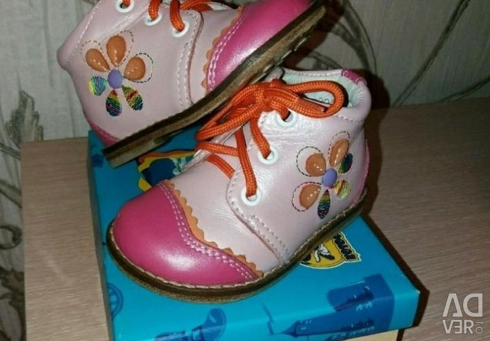 Взуття на дівчинку р.19,20,21