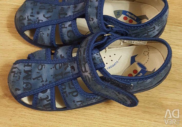 Sandals 27