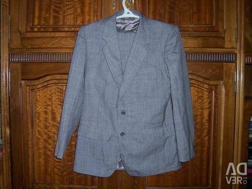 Three-piece suit in Malta
