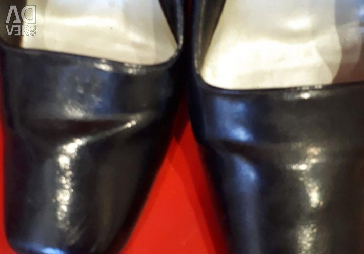 Туфлі дружин. 38р.
