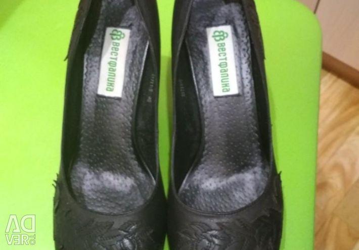 Shoes size 40