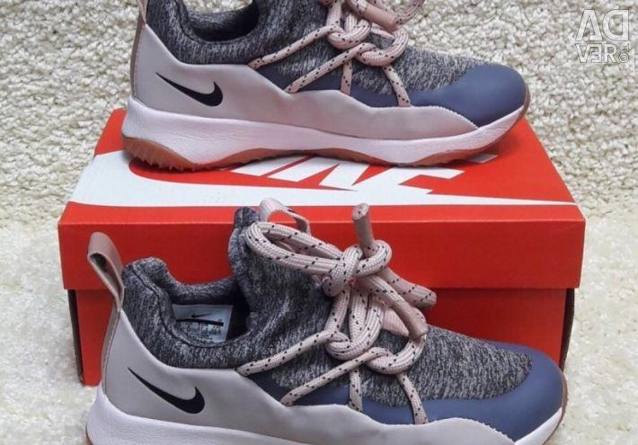New women's sneakers Nike