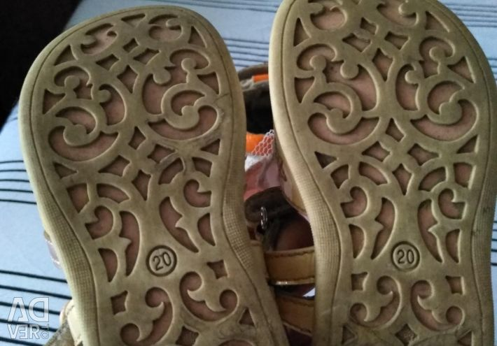 Hakiki deri sandalet
