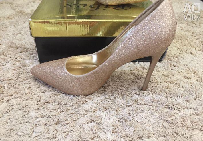 Ayakkabı numarası 35