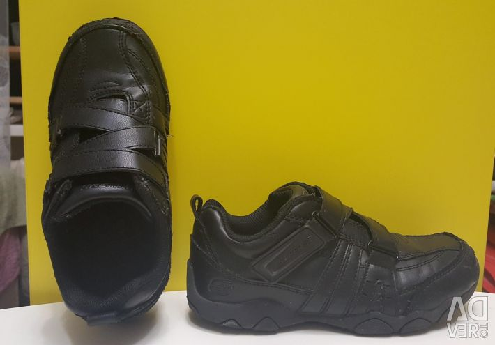 Original Skechers 31-32 leather sneakers shoes